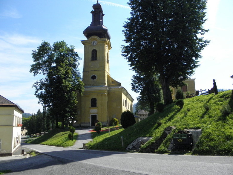 "Slowakije Smolnik - Smolník (Hongaars<img  src=""/images/smileys/confused.png""/>zomolnok) is een Slowaakse gemeente in de regio Košice, en maakt deel u"