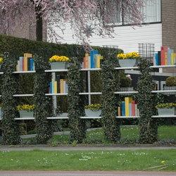 boekenrek met lente