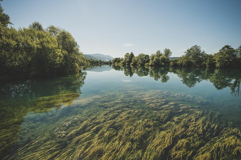 Una river.