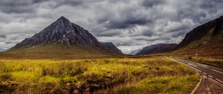 Scotch delight - Nav tips van Harrie heb ik nog eens gekeken naar de panorama van Glencoe. De wolken hebben nu niet meer een blauwe waas en daarnaast