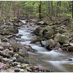 Een cascade van stroomversnellingen.