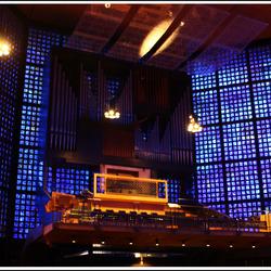 Binnen in de nieuwe kerk het orgel(Berlijn)