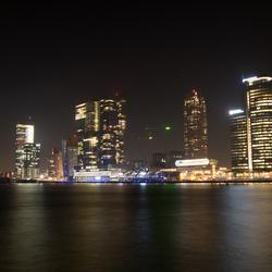 Rotterdam bij avond.