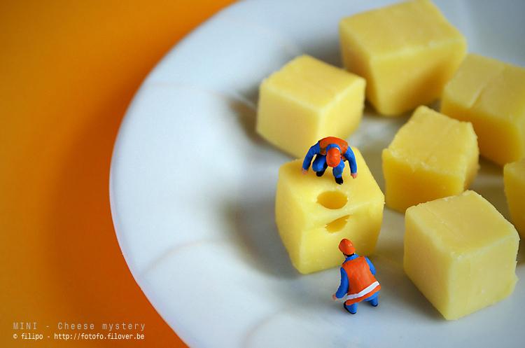 Mini - Kaas mysterie - Waar kwam dat gat vandaan... ?