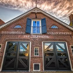 De voormalige fabriek van Sonnema beerenburg in Dokkum II