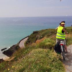 Cycling at Dingle Peninsuela