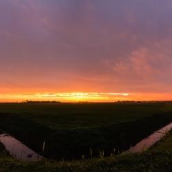 Zonsondergang boven Den Hoorn