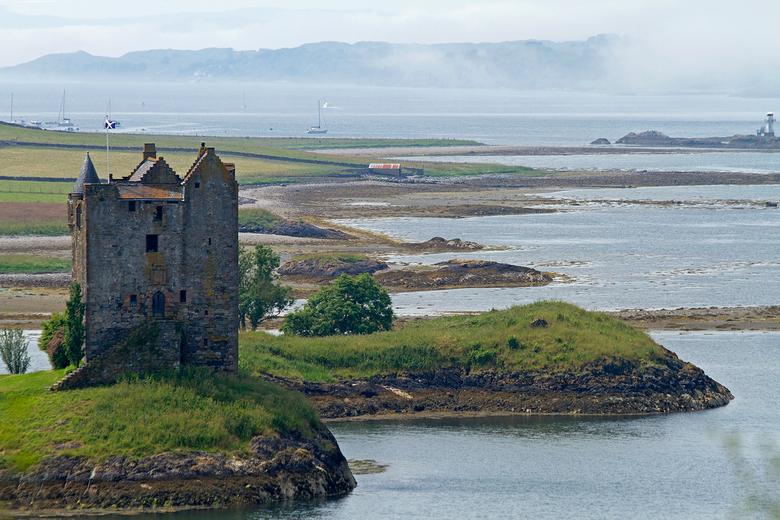 Stalker Castle Oban.jpg - Stalker Castle, Schotland. Ben tussendoor nog bezig alle vakantiefotos aan het uitzoeken. Altijd genieten, Schotland is werk
