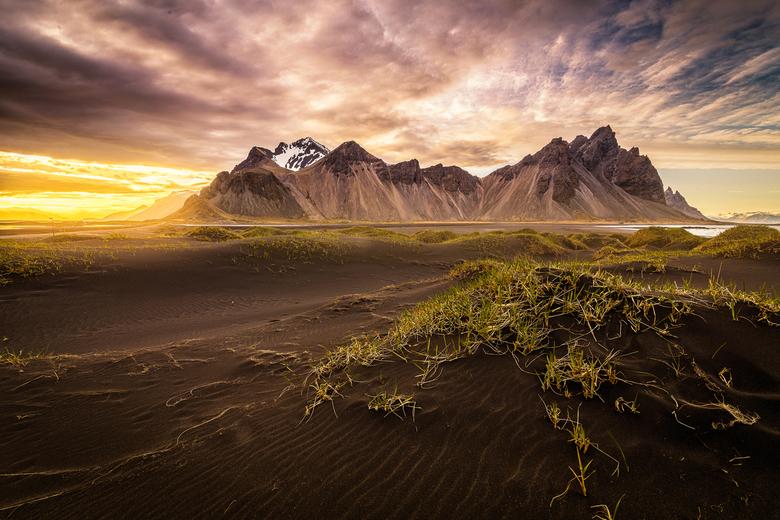Vestrahorn, Stokksnes IJsland - Na heel lang sparen en plannen toch eindelijk mijn trip naar IJsland aan het ervaren! Wat een prachtig land, zeker voo