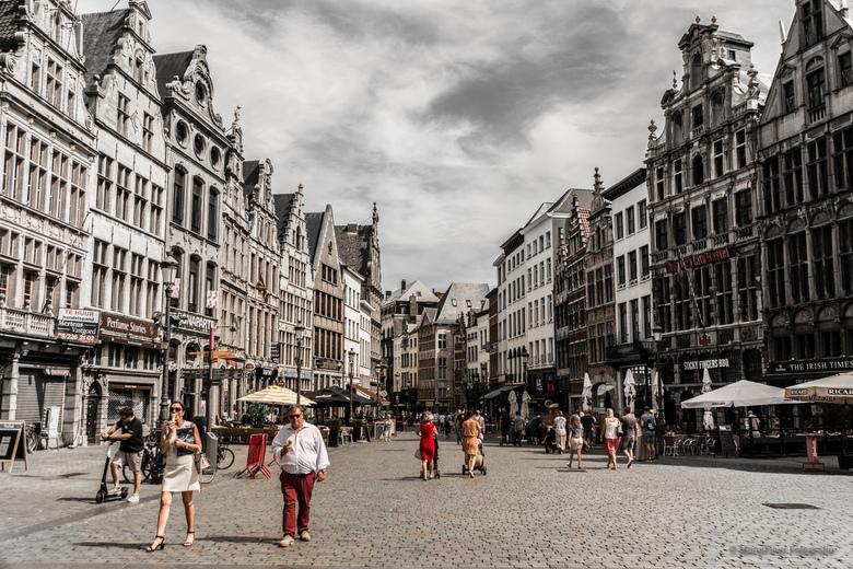 Grote Markt Antwerpen - De mens in de stad op een lazy zondagochtend ..