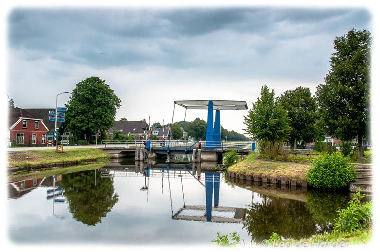 spiegeling in de Drentse Hoofdvaart - Foto is van enige tijd geleden, maar niet minder mooi. Langs de Drentse Hoofdvaart, de bui was net voorbij en er