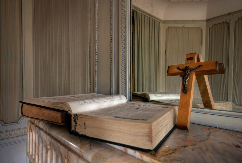 Achtergelaten geloof... - Villa Albert ergens in België