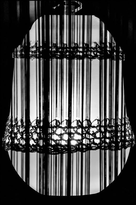ddw 52 - De designer van deze lamp had zijn inspiratie opgedaan in Marokko. Zij was tijdens haar reis door dit mystieke en veelzijdige land geraakt do