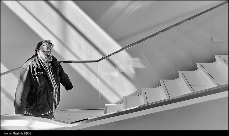 Drents-museum-06 - Vluchten kan niet meer..<br /> Naar een liedje van Frans Halsema en Jenny Arean<br /> Hij lijkt wat boos te kijken maar verontsch
