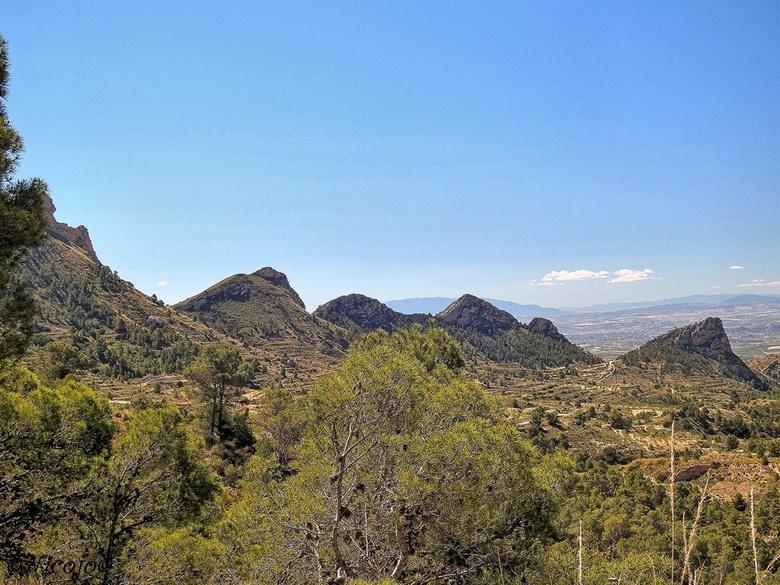 Spaans landschap.... - Een stukje van het nationaal park Sierra de la Pila. <br /> <br /> Bedankt voor al jullie reacties op mijn vorige foto, waard