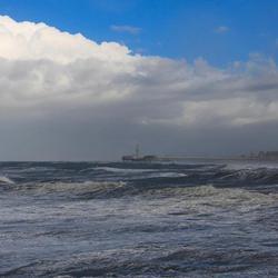 Pier in de storm.jpg