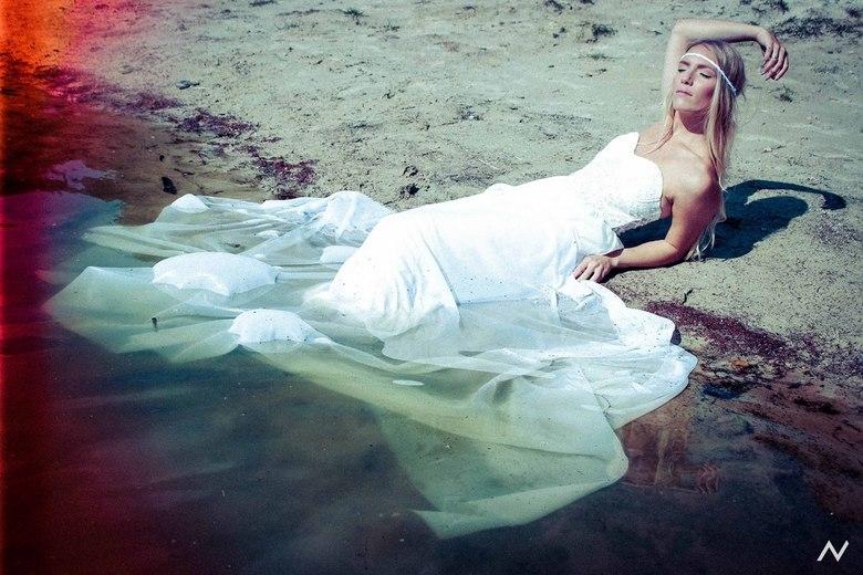 Like a mermaid - Deze foto is van een shoot die alweer een paar maanden terug plaats vond. Grappig dat wanneer je heel veel later alle beelden weer ee