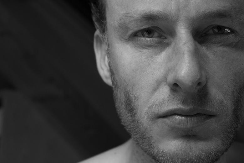 Zelfportret - Een zelfportret in zwart/wit