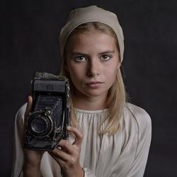 Het meisje met de oude camera