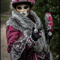 Maskers...