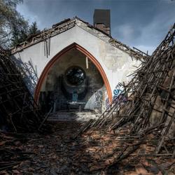 de kerk in verval