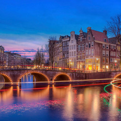 Amsterdam Leidsegracht in de schemer