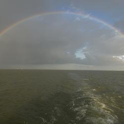 regenboog boven het IJsselmeer