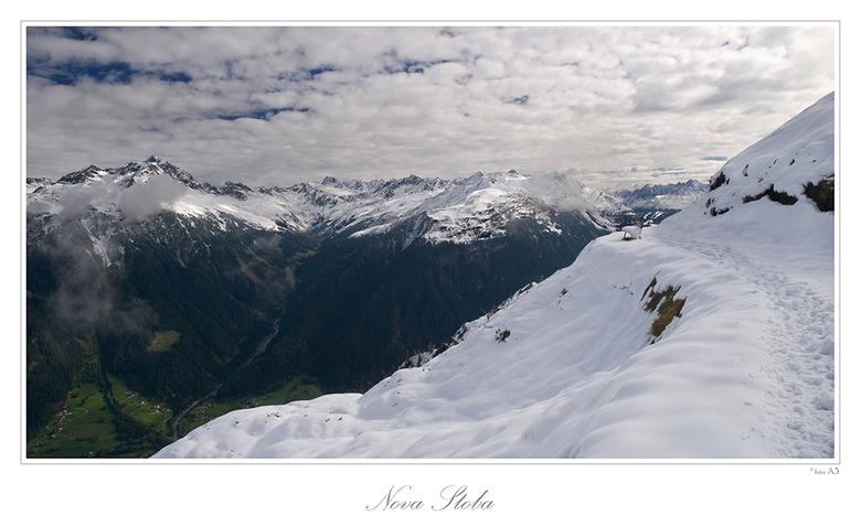 Sneeuwgrens - Nova stoba in Oostenrijk.<br /> Gr. Adri.