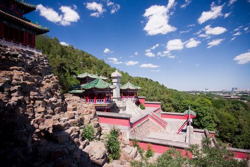 Peking - Afgelopen juni. Peking in de verte. Foto vanaf het zomerpaleis.