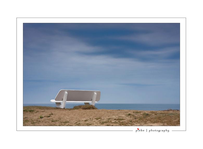 Atlantic view - Deze foto is weer van de Altantische kust. Vanaf dit bankje lijkt het me heerlijk toeven. Het was wat grijs weer en heb dankbaar gebru