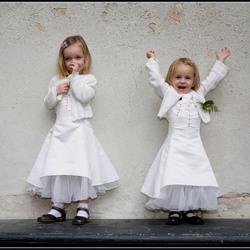 2 Bruidsmeisjes