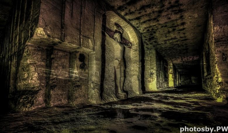 Underground Jezus - Gemaakt in de Jezuietenberg nabij Maastricht tijdens een fotosafari van Bob Luijks.<br /> <br /> Foto bestaat uit 5 belichtingen