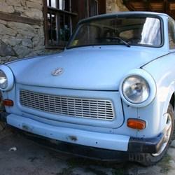 Babyblauwe Trabant