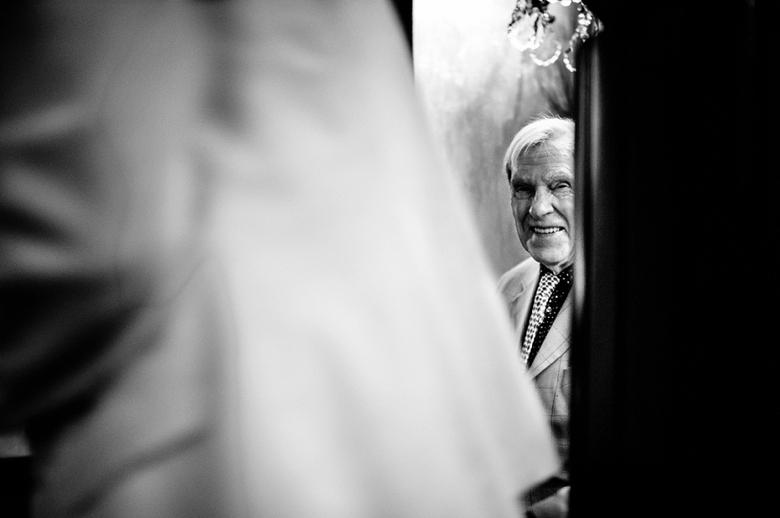 Papa ziet zijn dochter op haar trouwdag - Voor mij heerlijke momenten dit!
