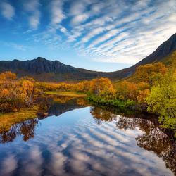Herfst in Ballesvika, Noorwegen