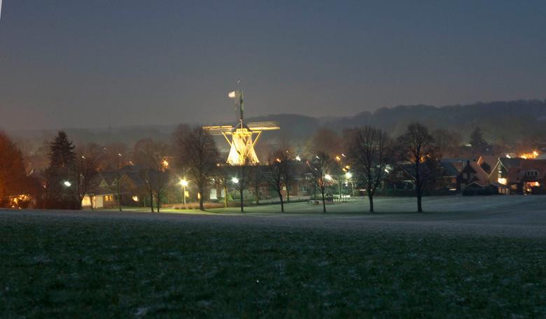 Markelo 's avonds - Zaterdag avond gemaakt aan de rand van Markelo.<br /> <br /> ==Bedankt-voor-Uw-reactie==<br /> <br /> ==en gezegende kerstdage