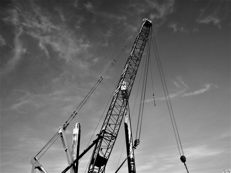 Kraan op een drijvend dok..... - .....kraan in de haven 16 januari 2020.