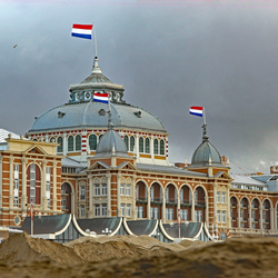 Het Kurhaus in de winter