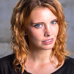 Model met rood haar Model met donker haar