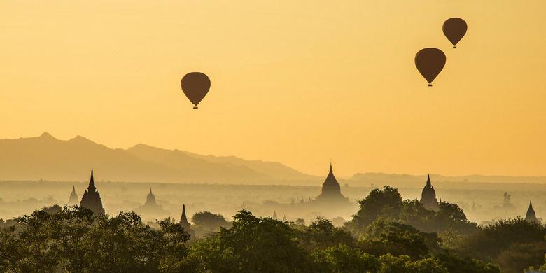 Bagan sunrise - Zonsopkomst in Bagan, Myanmar