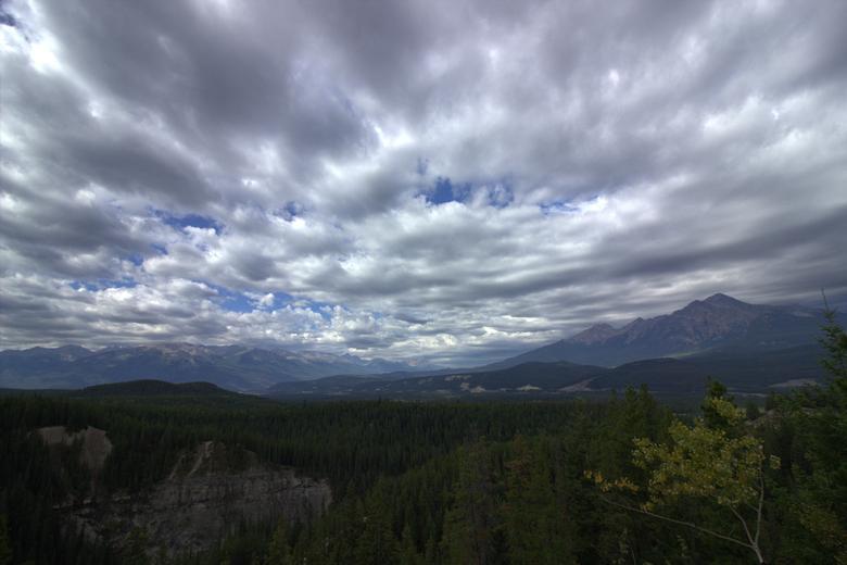 Canada langs Maligne Canyon wolkenlucht CS5 - De Malige Canyon regio in Canada, waar we tijdens onze zomervakantie even gestopt zijn. Een schitterend