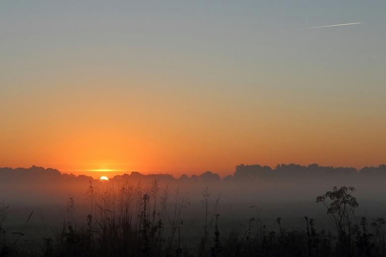 Zonsopkomst - Heldere lucht, prachtige dag in wording!
