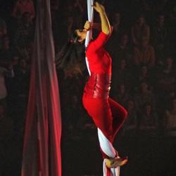 """Acrobatiek tijdens """"Vrienden van Amstel live"""""""