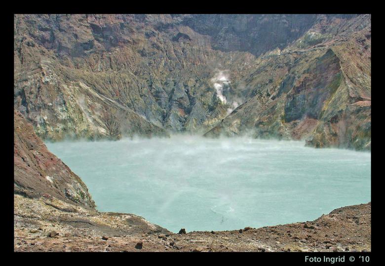 Nieuw Zeeland  19 Blue - Op het noord eiland nog steeds.<br /> Ik heb daar meren gezien in kleuren, dat kan je je niet voorstellen, van het blauwste