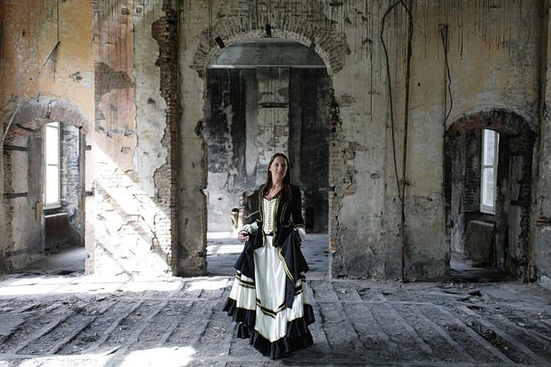 waiting for her Romeo - kasteelshoot
