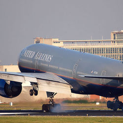 United Airlines boeing-777