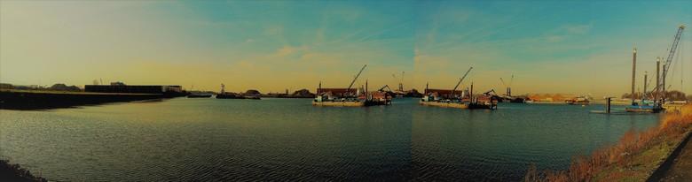 Panorama haven in Dordrecht...... - Haven in Dordrecht 16 januari 2020.