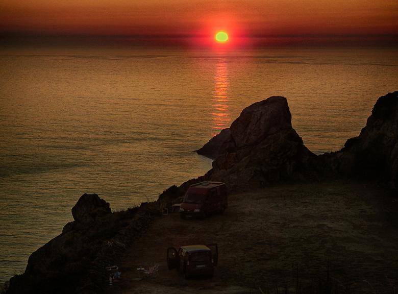 Sweet memories: Cabo Fisterra - Nu reizen er even niet in zit, zijn de herinneringen des te meer waard. Zomer 2013, overnachting op Cabo Fisterra. Dit