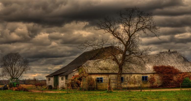 De oude boerderij - Ik hou van vervallen boerderijen etc