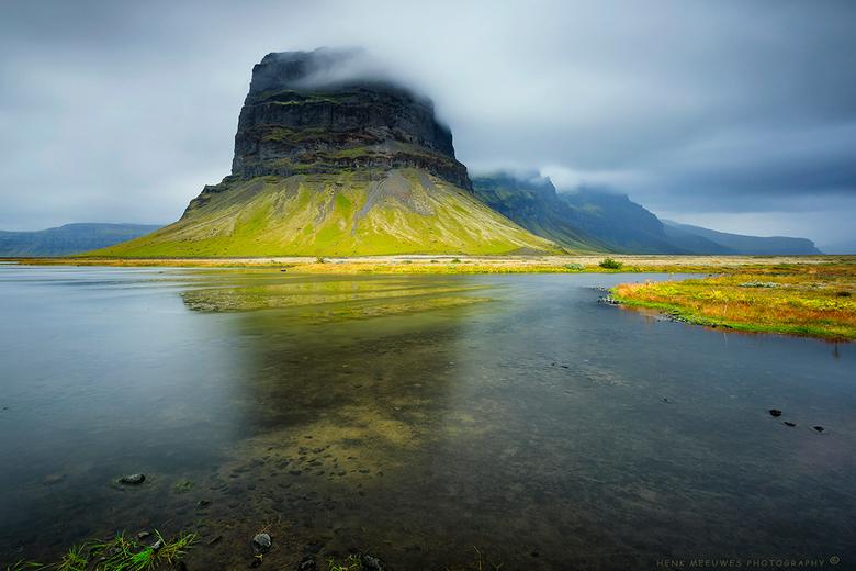 Met zijn kop in de wolken (IJsland)